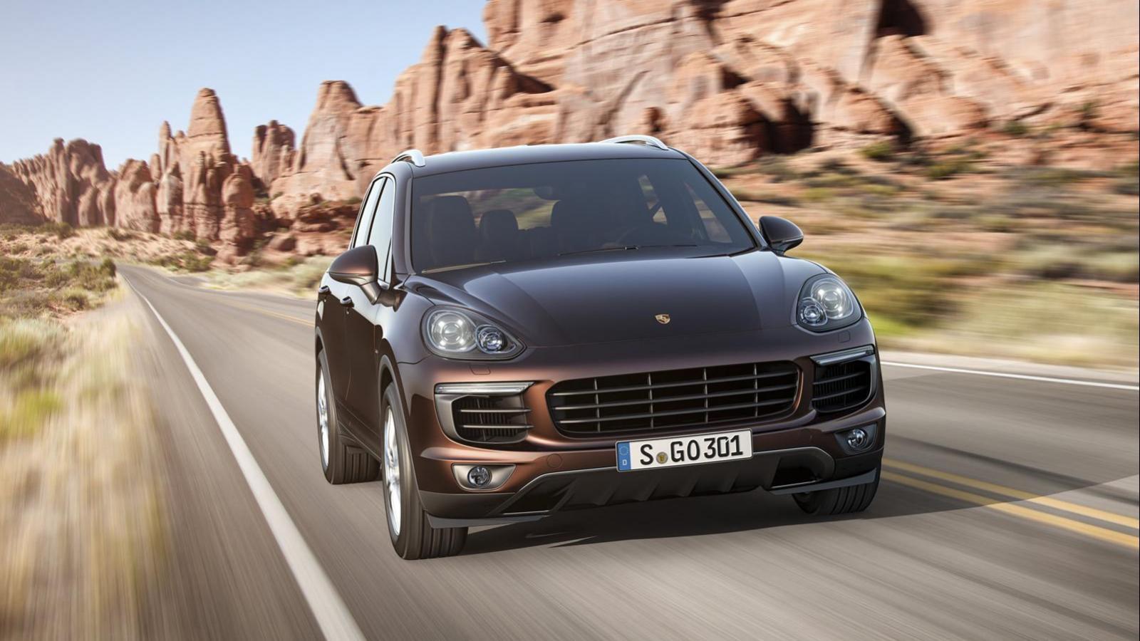 2015 Porsche Cayenne Front End Photos-1600x900