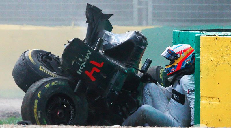 Fernando alonso F1 choque crash australia