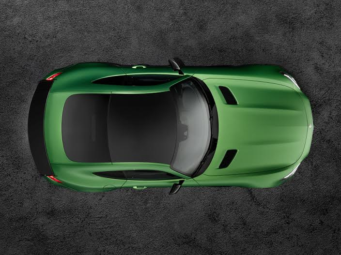 AMG GT R; 2016; Studio; Exterrieur: AMG Green Hell magno; Kraftstoffverbrauch kombiniert:  11,4 l/100 km, CO2-Emissionen kombiniert: 259 g/kmAMG GT R; 2016; studio;Exterior: AMG Green Hell magno; Fuel consumption, combined:   11.4 l/100 km, CO2 emissions, combined:  259 g/km
