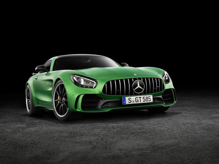 AMG GT R; 2016; Studio; Exterrieur: AMG Green Hell magno; neuer AMG Panamericana Grill; Kraftstoffverbrauch kombiniert:  11,4 l/100 km, CO2-Emissionen kombiniert: 259 g/kmAMG GT R; 2016; studio;Exterior: AMG Green Hell magno, new AMG Panamericana radiator grille;Fuel consumption, combined:   11.4 l/100 km, CO2 emissions, combined:  259 g/km