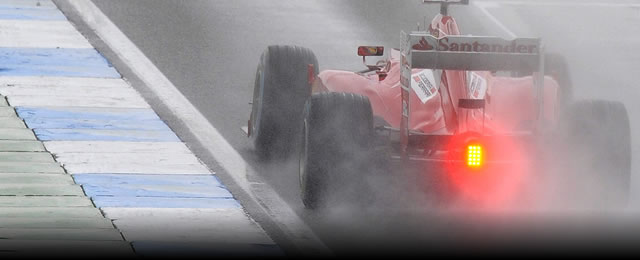 F1_Alonso_Pole_bajo_lluvia