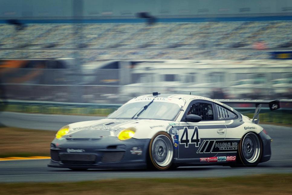 Magnus_Racing