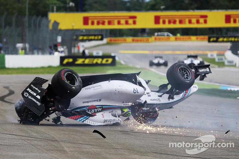 f1-german-gp-2014-felipe-massa-williams-fw36-crashes-at-the-start-of-the-race