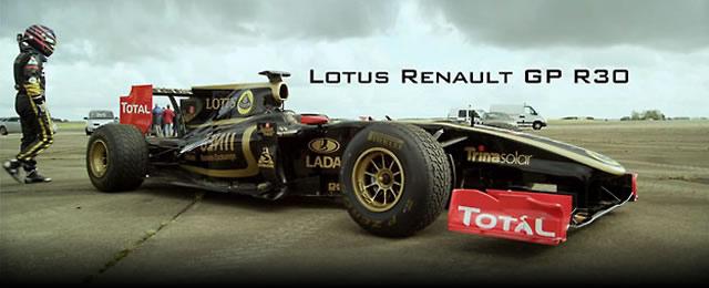 f1_Lotus_R30_vs_Bugatti_Veyron