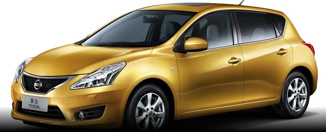 iTIIDA_Hatchback_2011